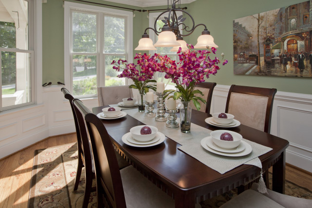 Patternote road centerpiece home staging