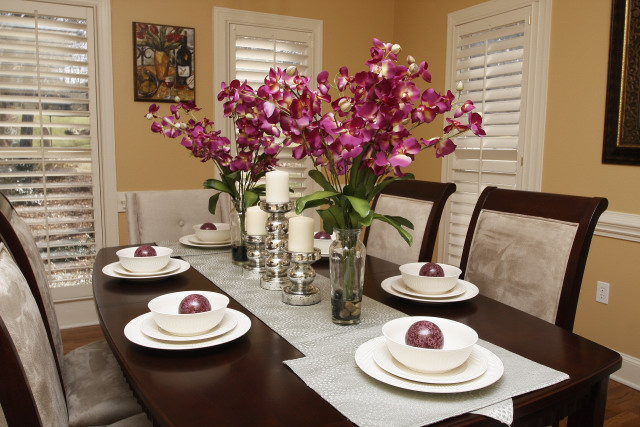 Five staging dos for getting your home sold centerpiece