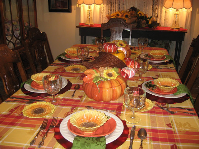 ladykatherineteaparlor-thanksgiving table scape