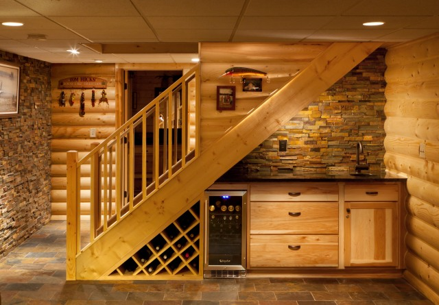 Brillo's  under the stairs  wet bar after renovation (photo credit: Brillo Home Improvements Inc and Edmunds Studios)