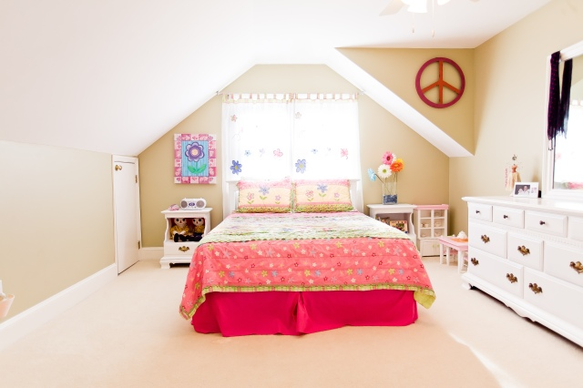 Girl Bedroom before Teen Bedroom